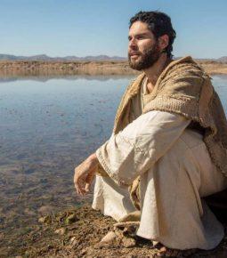 """""""Jesus esteve junto comigo todos os dias"""", diz ator Dudu Azevedo"""
