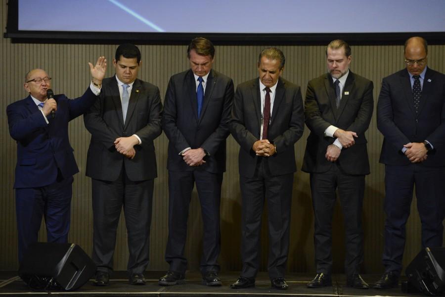 Pastores oram por Bolsonaro, Dias Toffoli e Davi Alcolumbre