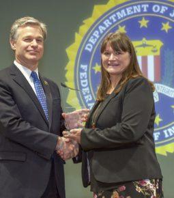 FBI homenageia ministério batista pela luta contra o tráfico humano