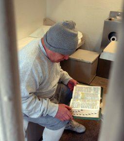 Após encontro com Jesus, ladrão devolve US$ 200 mil