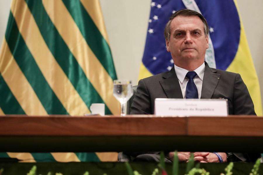 Bolsonaro diz que terá de suspender benefícios se Congresso não aprovar crédito ao governo