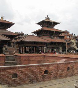 Governo do Nepal destrói torre de oração construída por cristãos