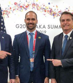 Eduardo Bolsonaro e Ernesto Araújo se reúnem com Trump