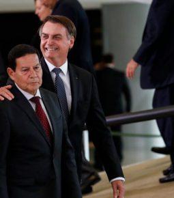 Mourão cancela viagem por causa de cirurgia de Bolsonaro