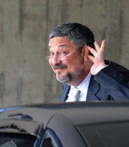 Palocci acusa RBS, afiliada da Globo, de pagar propina