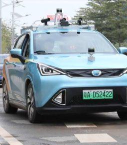 China fará teste de táxi sem motorista em ruas de Xangai