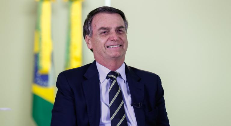 Bolsonaro: Queda no cheque especial ajuda a população