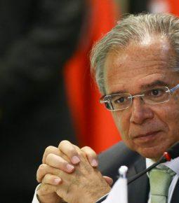 Guedes prevê rombo fiscal bem menor do que o esperado