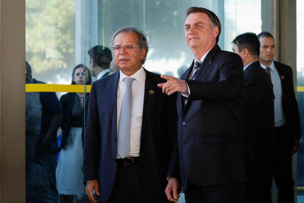 Guedes enviará reformas em fevereiro com nova estratégia