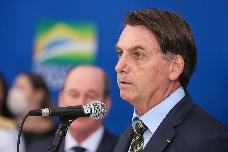 """""""Sem produzir, vamos viver do quê?"""", questiona Bolsonaro"""