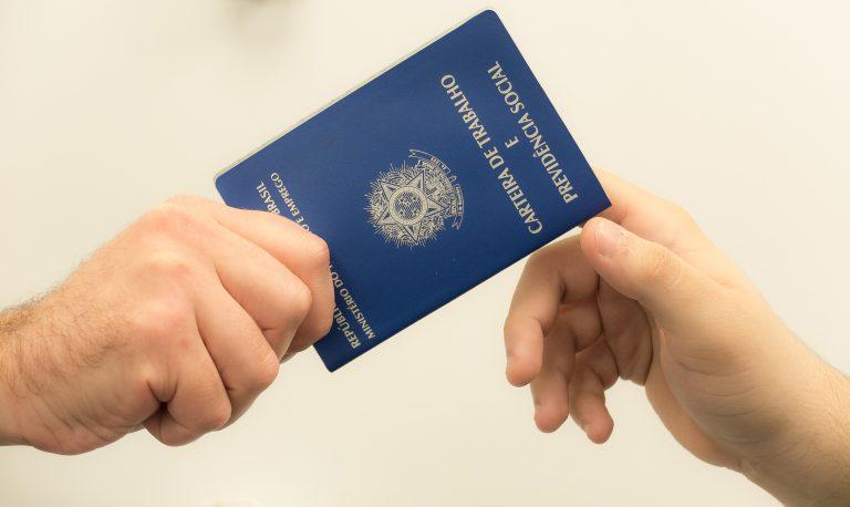 Pandemia fez 7,8 milhões perderem o emprego, diz IBGE