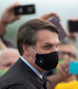 Justiça derruba decisão sobre uso de máscara por Bolsonaro