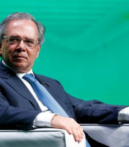 "Guedes defende agronegócio: ""O Brasil alimenta o mundo"""