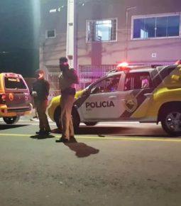 Polícia leva 9 viaturas e invade igreja evangélica em Curitiba
