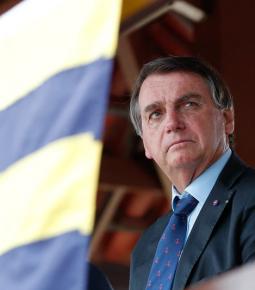 Igrejas: Bolsonaro sugere ao Congresso que derrube veto