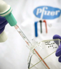 Pfizer e BioNTech dizem que vacina se mostrou 90% eficaz