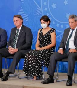Bolsonaro promove culto de Ação de Graças no Planalto