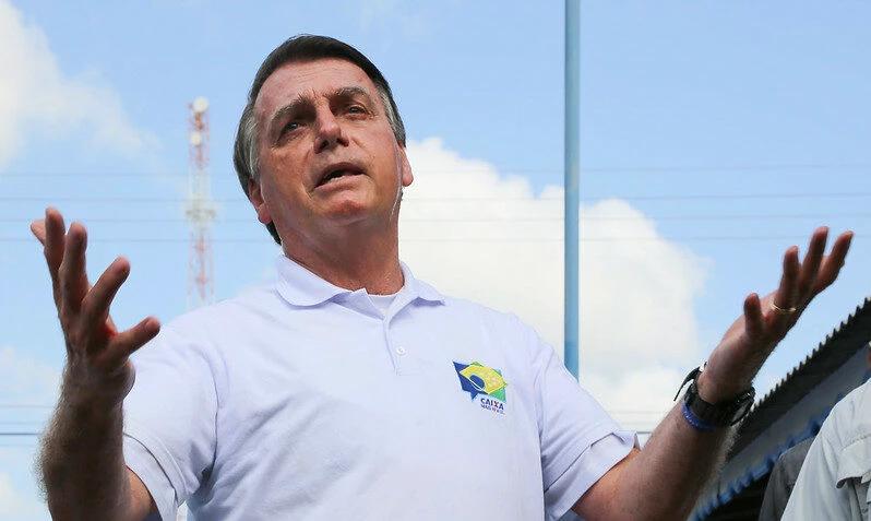 'Essa de 50% é uma boa vacina ou não?', questiona Bolsonaro