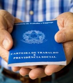 Brasil fecha 2020 com resultado positivo em empregos formais