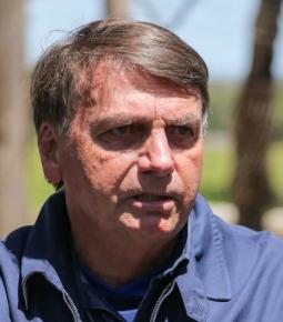 """""""Como é que fica a economia?"""", diz Bolsonaro sobre lockdown"""