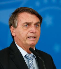 Bolsonaro se solidariza com comerciantes: 'Tudo que for legal, eu farei'