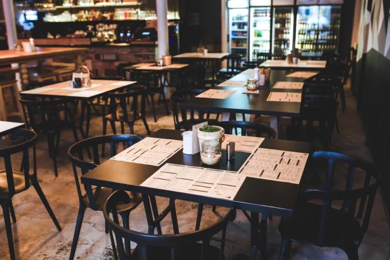 Consumo em restaurante caiu 27,2% em janeiro