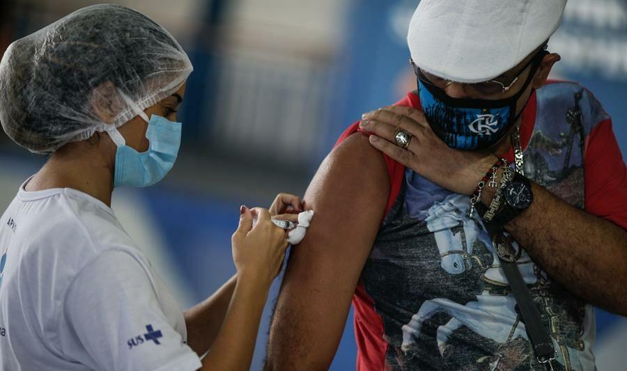 Brasil chega aos 30 milhões de vacinados com a 1ª dose