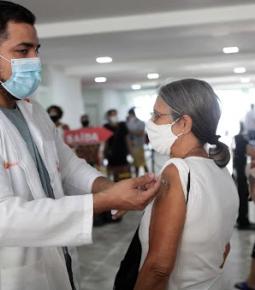 Vacinados contra a Covid-19 no Brasil chegam a 40,3 milhões