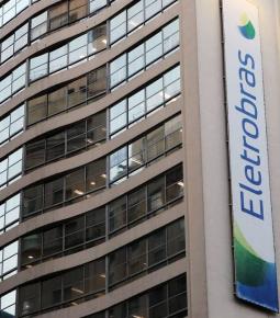 Presidente Bolsonaro oficializa MP da privatização da Eletrobras