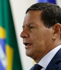 """""""Eleição vai haver, garanto"""", diz Mourão após falas de Bolsonaro"""