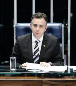 """Pacheco fala em """"maneira justa"""" para definir valor do """"Fundão"""""""