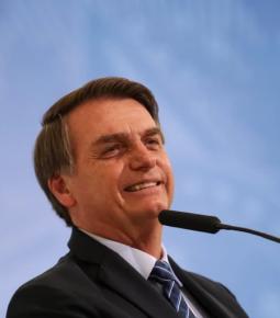 Bolsonaro se antecipa e libera venda direta de etanol a postos