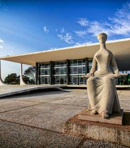 Promotores de Brasília pedem a prisão de nove ministros do STF